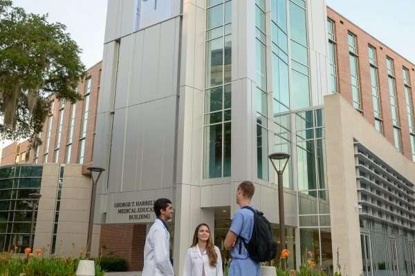 Medical-students-HMEB-part-2_JSJ_8JJ0554-600x400